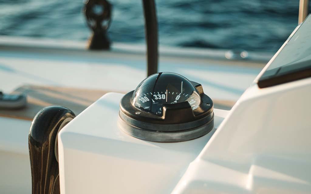 قطب نمای قایق (از نوع مغناطیسی)